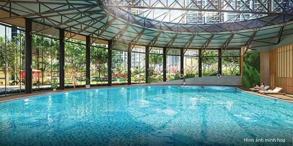 Cư dân tương lai của The Sakura sẽ được trải nghiệm bể bơi bốn mùa có mái che tại đại đô thị Vinhomes Smart City, với làn nước ấm áp vào mùa đông và mát mẻ vào mỗi dịp hè